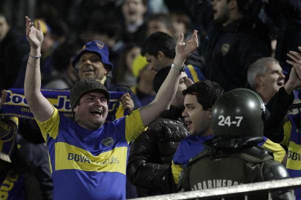hinchas-Boca-estadio-Santiago_OLEIMA20120621_0141_15.jpg